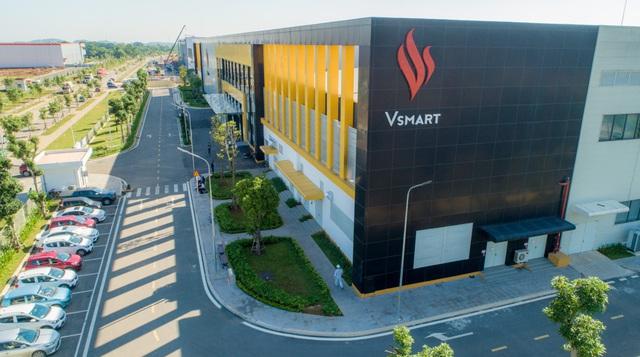 Giảm mạnh giá bán Vsmart Live, tỷ phú Phạm Nhật Vượng muốn đấu trực diện với các hãng smartphone ngoại? - Ảnh 1.