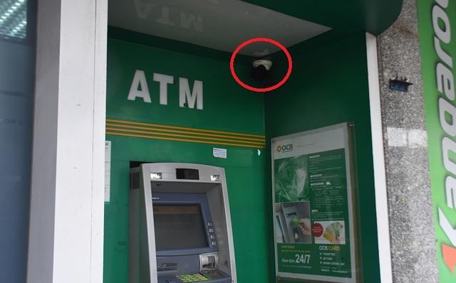 Cây ATM ngân hàng Phương Đông ở Đà Nẵng bị cạy phá - Ảnh 1.