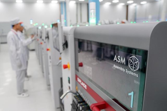 """""""Đột nhập"""" nhà máy, xem quy trình để thấy vì sao tỷ phú Phạm Nhật Vượng có thể sản xuất được 23 triệu smartphone/năm - Ảnh 4."""