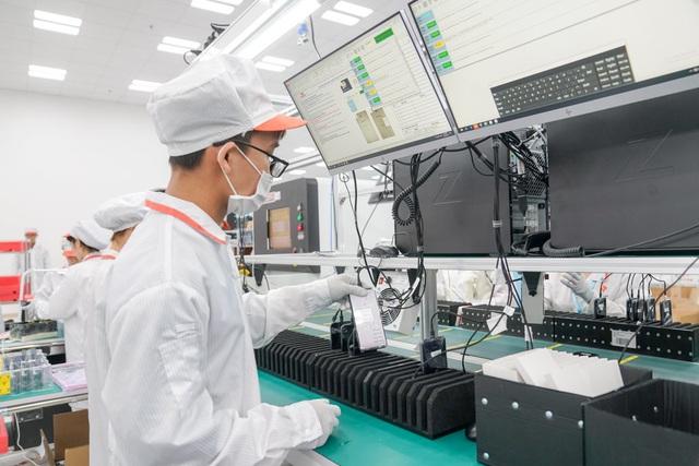 """""""Đột nhập"""" nhà máy, xem quy trình để thấy vì sao tỷ phú Phạm Nhật Vượng có thể sản xuất được 23 triệu smartphone/năm - Ảnh 10."""