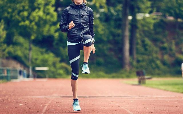 Trước khi tập thể dục bạn cần nhớ kỹ 6 lưu ý quan trọng này nếu không muốn bị chấn thương đầu gối - Ảnh 2.