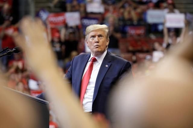 Cuộc điều tra luận tội Tổng thống Donald Trump vào giai đoạn mới - Ảnh 1.