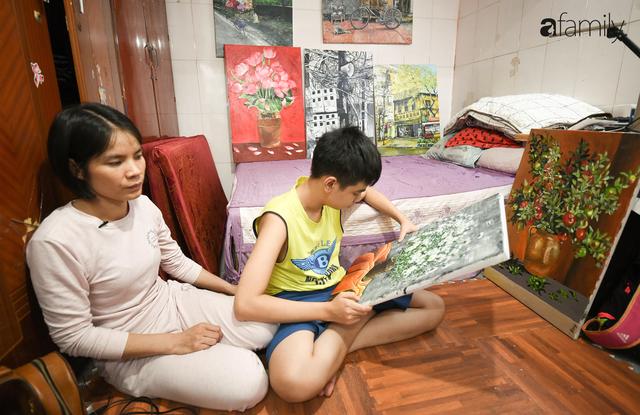 Cậu bé tự kỷ 14 tuổi mê tranh Van Gogh với bức tranh được đấu giá trăm triệu: Con sẽ trở thành họa sĩ nổi tiếng, sẽ mua nhà và cho mẹ đi du lịch - Ảnh 1.