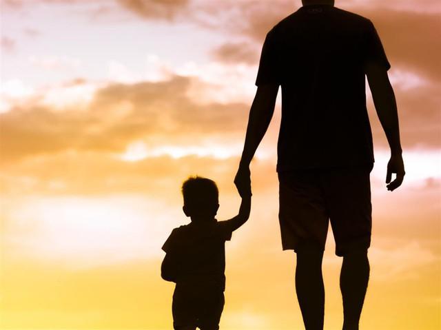 Giáo sư ĐH Harvard: Cha mẹ cứ làm tốt 8 vai trò này, con thành công là điều tất yếu - Ảnh 2.