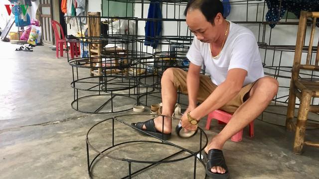 Ngư dân Quảng Nam kiếm tiền triệu mỗi ngày từ khai thác ghẹ - Ảnh 1.