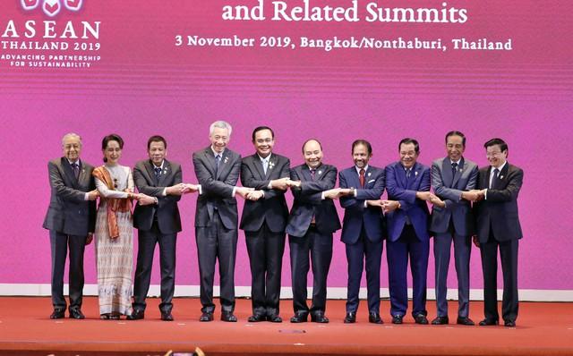 Chùm ảnh: Thủ tướng dự Hội nghị cấp cao ASEAN và gặp lãnh đạo các nước - Ảnh 1.