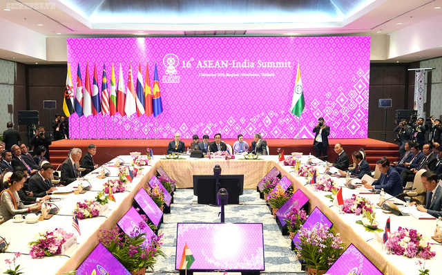 Chùm ảnh: Thủ tướng dự Hội nghị cấp cao ASEAN và gặp lãnh đạo các nước - Ảnh 4.