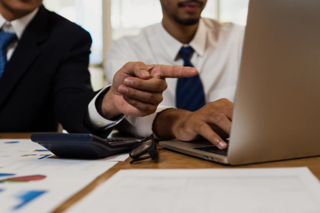 Lối tắt dẫn đến thành công là hành động giống những người bạn ngưỡng mộ: Hãy tư duy đúng đắn và tuyệt đối tránh 9 điều mà các CEO không bao giờ làm - Ảnh 1.