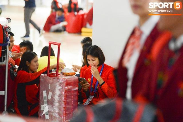 Bão lớn chuẩn bị đổ bộ Philippines, Đoàn Thể thao Việt Nam phải đổi gấp lịch bay để tránh nguy hiểm  - Ảnh 1.