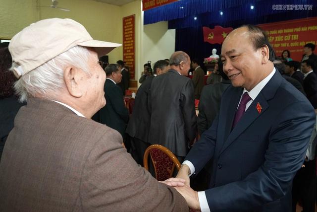 Hình ảnh Thủ tướng tiếp xúc cử tri Hải Phòng - Ảnh 2.