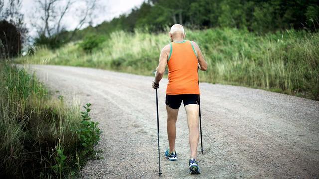 """Kiên trì đi bộ 15 phút mỗi ngày: Mọi bệnh tật đều bị """"xóa sổ"""", hiệu quả còn hơn thần dược - Ảnh 2."""