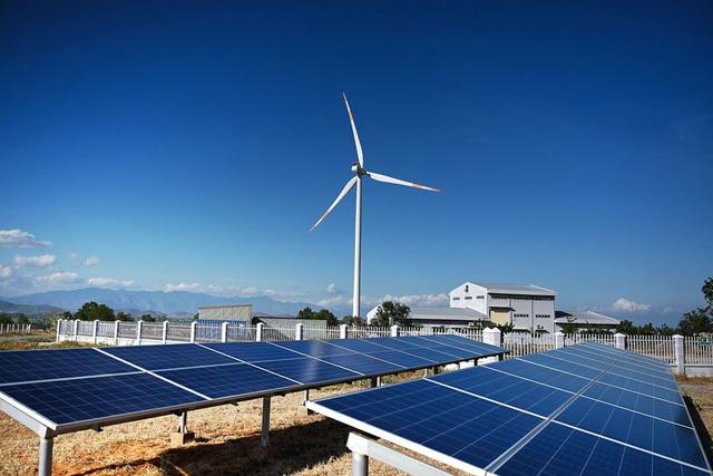 Bloomberg, CNBC: Phát thải cao nhất Đông Nam Á, nỗ lực tái cơ cấu năng lượng của Việt Nam ra sao? - Ảnh 2.