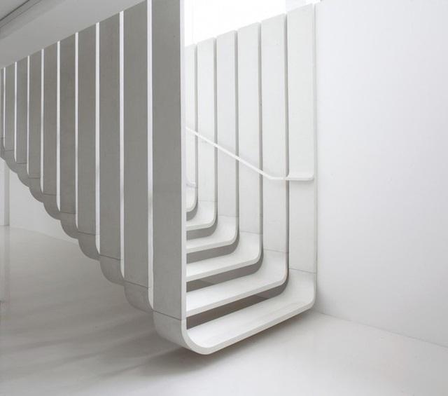 Những mẫu cầu thang phiêu diêu như cung đàn, ngắm mãi không chán - Ảnh 6.