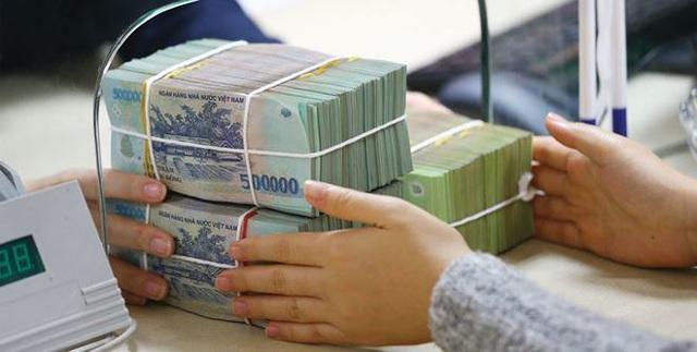 Lãi suất tăng hướng tới 10%, ôm tiền tỷ chọn ngân hàng ăn lãi - Ảnh 2.