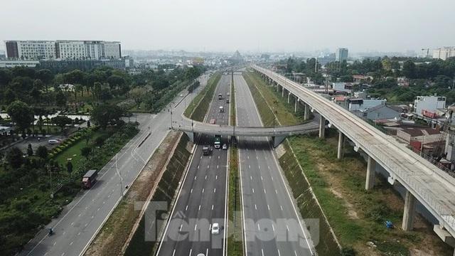 Nhìn từ trên cao nút giao thông cửa ngõ phía Đông Sài Gòn vừa thông xe - Ảnh 9.