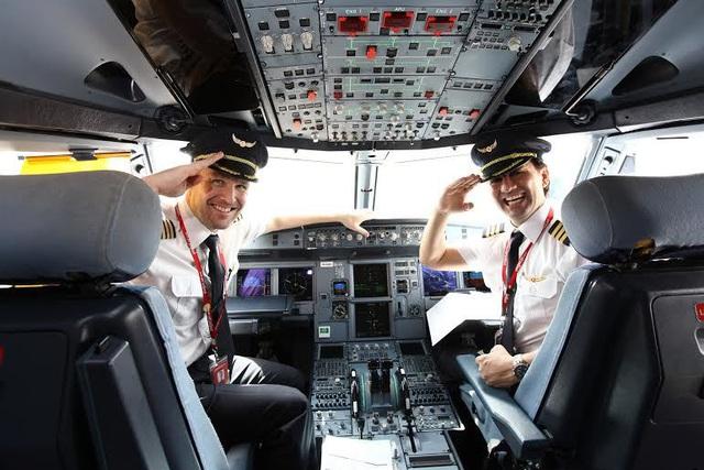 Nghịch lý có thật, bỏ tỷ USD mua tàu bay nhưng chưa có người lái - Ảnh 3.