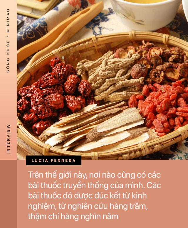 PHỎNG VẤN ĐỘC QUYỀN: TS. Dược sĩ nổi tiếng người Ý cảnh báo về mặt trái của thuốc, đường, thịt cá và tiết lộ tác dụng của hạnh phúc - Ảnh 3.