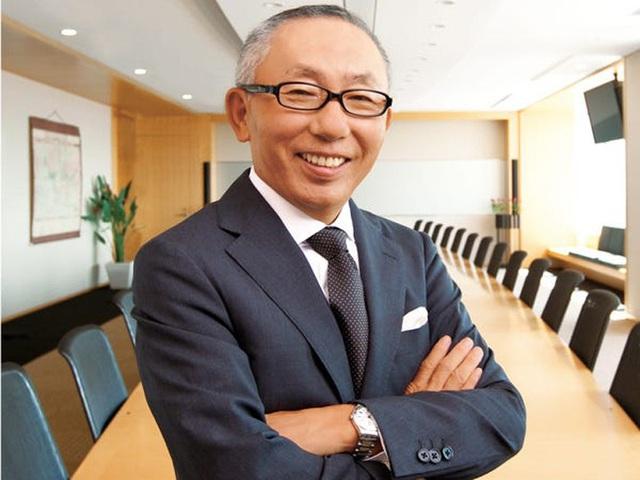 Chân dung ông chủ Uniqlo vừa mở cửa hàng đầu tiên tại Việt Nam - Ảnh 3.