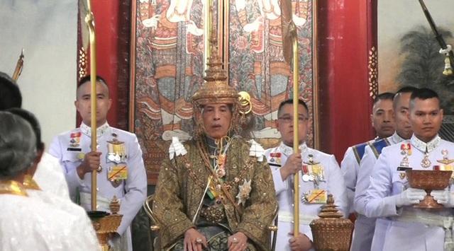 Những sự kiện hoàng gia nổi bật nhất trong năm 2019 khiến truyền thông quốc tế và công chúng chao đảo  - Ảnh 3.