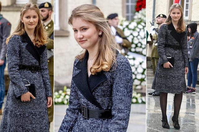 Công chúa 18 tuổi gánh trên vai vận mệnh của hoàng gia Bỉ lại gây sốt với loạt ảnh đẹp không tỳ vết, tỏa sáng mọi lúc  - Ảnh 4.