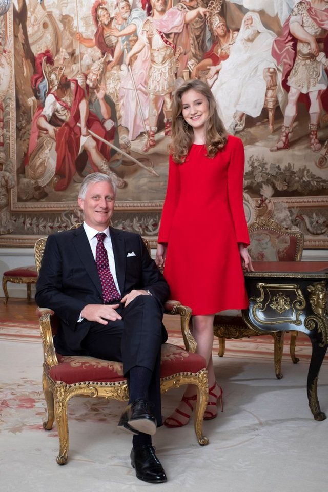 Công chúa 18 tuổi gánh trên vai vận mệnh của hoàng gia Bỉ lại gây sốt với loạt ảnh đẹp không tỳ vết, tỏa sáng mọi lúc  - Ảnh 7.