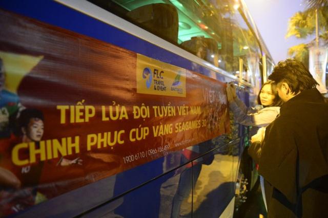 LIVE SEA Games 30: Thắng Indonesia 3-0, Việt Nam giành Huy chương vàng Bóng đá nam - Ảnh 2.