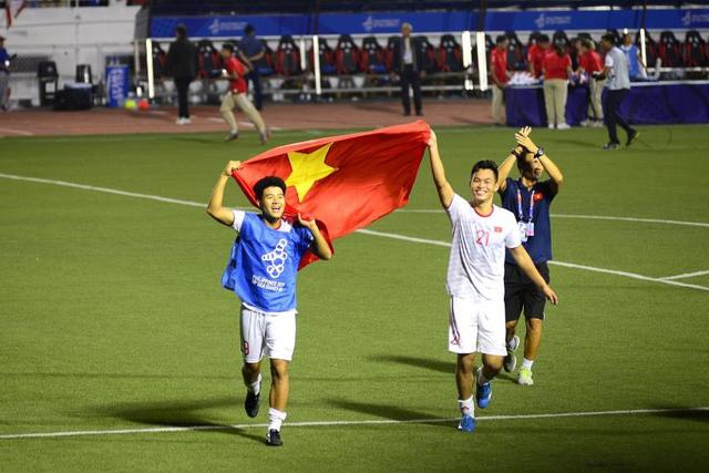 LIVE SEA Games 30: Thắng Indonesia 3-0, Việt Nam giành Huy chương vàng Bóng đá nam - Ảnh 28.