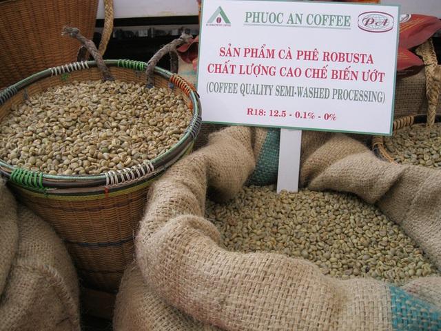 Cà phê Việt Nam chịu ảnh hưởng nặng nề vì khủng hoảng giá - Ảnh 1.
