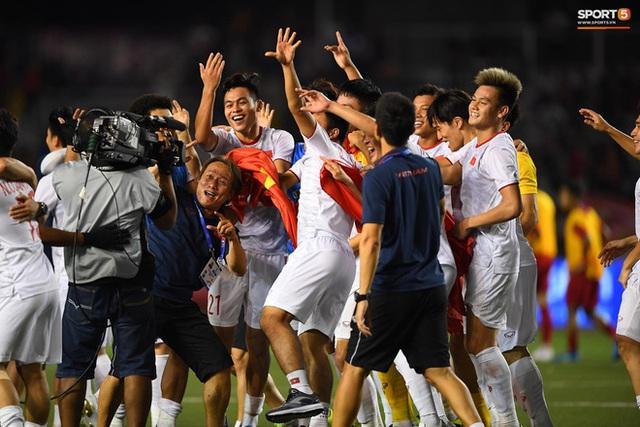 Chính thức: U22 Việt Nam chia tay 1 thủ môn, gọi lại Đình Trọng và Trọng Đại cho chuyến tập huấn tại Hàn Quốc để chuẩn bị cho giải U23 châu Á 2020 - Ảnh 1.