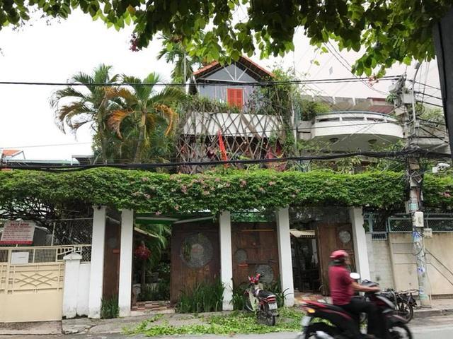 Ở Hà Nội có bún chả Obama thì đêm qua Sài Gòn cũng đã có quán cơm Obama, do hai vợ chồng cựu Tổng thống đích thân chỉ điểm đến ăn - Ảnh 2.