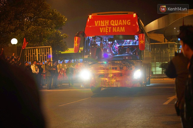 Thủ tướng Nguyễn Xuân Phúc gặp mặt và dùng bữa tối thân mật với các nhà vô địch SEA Games 30 - Ảnh 27.