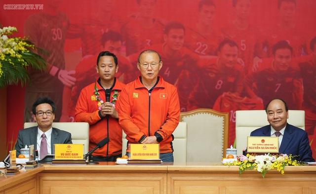 Chiến thắng bóng đá cần cảm hứng mạnh mẽ vào hoạt động kinh tế, văn hóa, xã hội - Ảnh 1.