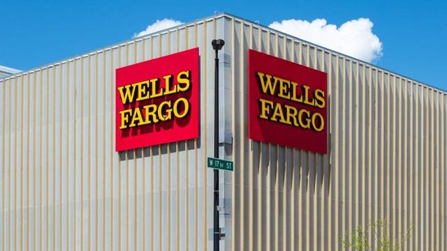 Lãi khủng mức nào nếu bắt đáy loạt cổ phiếu siêu blue-chips thời khủng hoảng? - Ảnh 19.