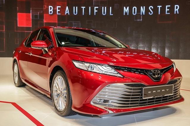 Sedan hạng D tháng 11, Camry ế ẩm, Honda Accord vượt mặt Mazda6 - Ảnh 1.