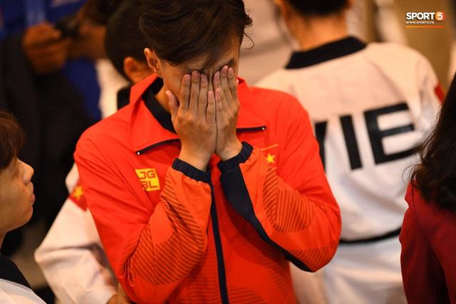 Những giọt nước mắt tại SEA Games 30: Ở đó có những giọt nước mắt phải chờ đợi hơn nửa đời người - Ảnh 11.