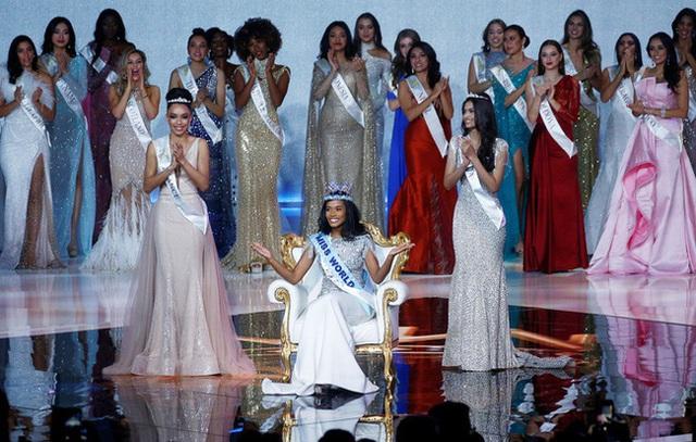 Chân dung tân Hoa hậu Thế giới 2019: Cô gái Jamaica cao 1.67m với nụ cười tỏa nắng cùng giọng hát truyền cảm như Whitney Houston - Ảnh 1.