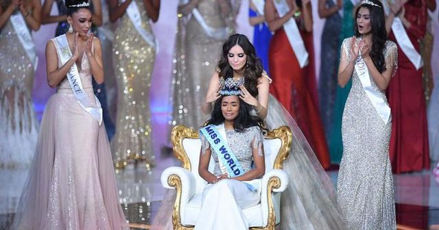Chân dung tân Hoa hậu Thế giới 2019: Cô gái Jamaica cao 1.67m với nụ cười tỏa nắng cùng giọng hát truyền cảm như Whitney Houston - Ảnh 2.