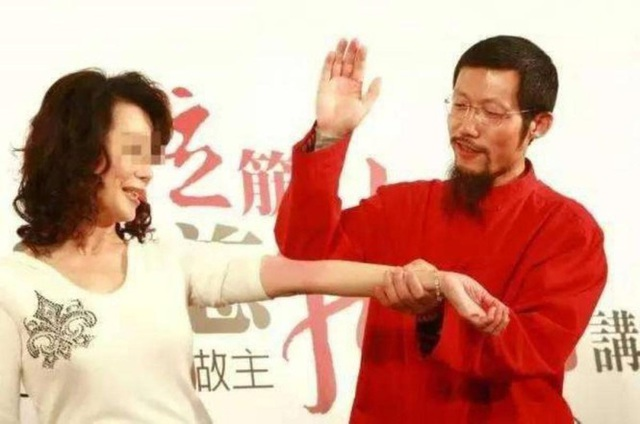 Thần y người Trung Quốc bị Australia bỏ tù - Ảnh 1.