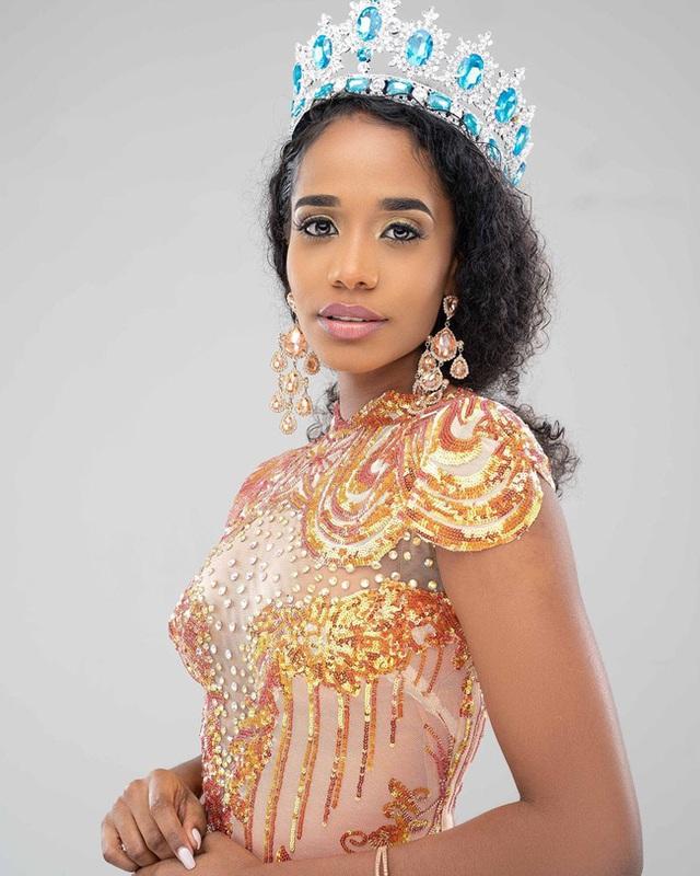 Chân dung tân Hoa hậu Thế giới 2019: Cô gái Jamaica cao 1.67m với nụ cười tỏa nắng cùng giọng hát truyền cảm như Whitney Houston - Ảnh 3.