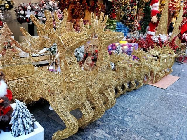 Phù phép bạch thông hàng Tàu chơi Noel, hét giá 20 triệu đồng vẫn gây sốt - Ảnh 9.