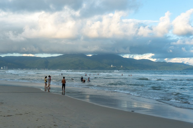 Chẳng phải những bãi biển nên thơ, đây mới là điều khiến nhà báo New York Times bị Đà Nẵng hớp hồn, khẳng định đây là thành phố đáng sống nhất thế giới - Ảnh 6.
