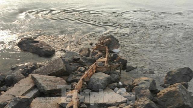 Hồ chứa cạn nhất 30 năm qua, Thủy điện Hòa Bình thấp thỏm chờ nước - Ảnh 13.