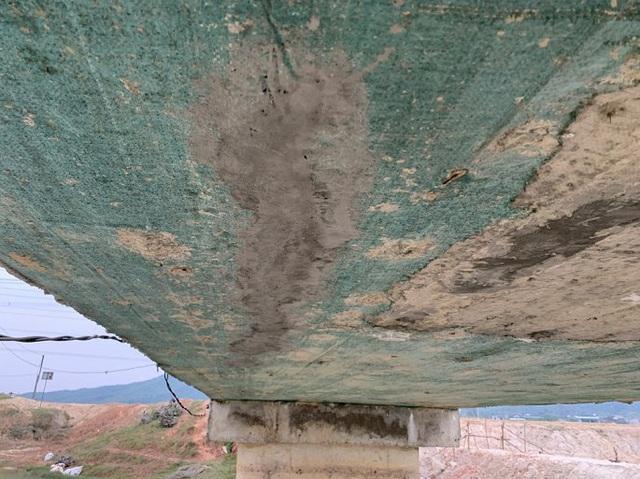 Cận cảnh cây cầu hơn 7 tỷ đồng được làm bằng bê tông cốt xốp ở Hà Tĩnh - Ảnh 7.