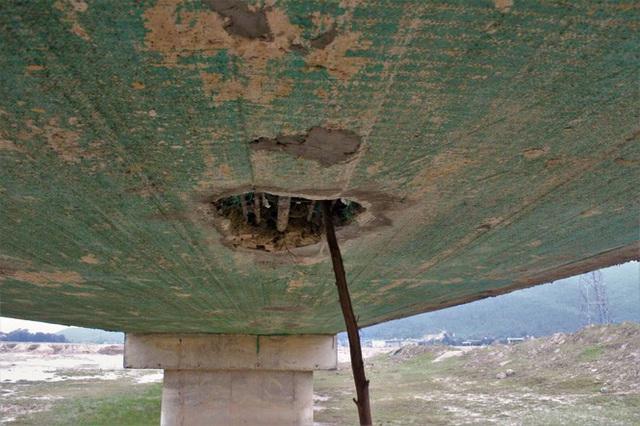 Cận cảnh cây cầu hơn 7 tỷ đồng được làm bằng bê tông cốt xốp ở Hà Tĩnh - Ảnh 10.