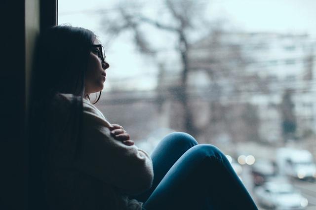 Bệnh trầm cảm theo mùa: Tất tần tất các triệu chứng, liệu bạn có mắc phải? - Ảnh 2.
