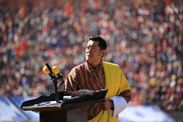 Hoàng hậu vạn người mê Bhutan thông báo tin vui khiến dân chúng vỡ òa hạnh phúc, dù mang thai lần 2 vẫn thần thái hơn người - Ảnh 1.