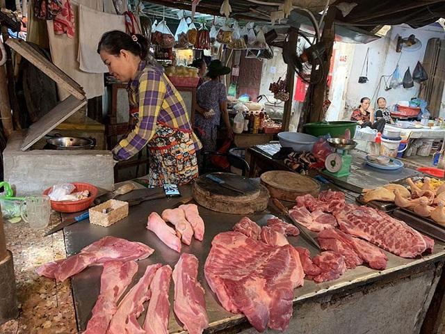 Bổ sung nửa triệu tấn thực phẩm, giá lợn vẫn đắt đỏ nhất lịch sử - Ảnh 2.