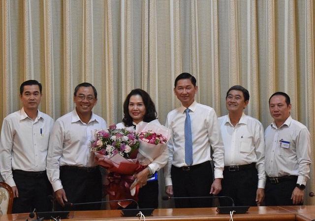 UBND TP HCM trao quyết định bổ nhiệm cho 2 nhân sự lãnh đạo  - Ảnh 1.