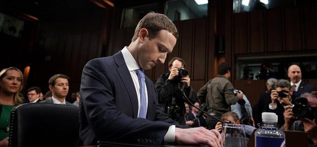 Vì sao Mark Zuckerberg và nhiều tỷ phú chỉ nhận lương 20.000 đồng/năm: Tưởng bóc lột nhưng hoá ra đầy lộc lá  - Ảnh 2.