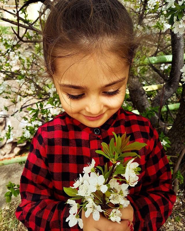 Loạt ảnh mới của cô bé quá xinh khiến bố phải nghỉ việc làm vệ sĩ, không hổ danh bé gái đẹp nhất thế giới - Ảnh 13.
